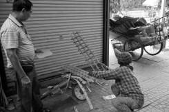 etjai---mon-collecting-aluminium-goods_6475941005_o (Medium)